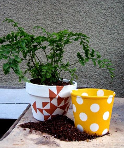 2_garden_pots_closeup