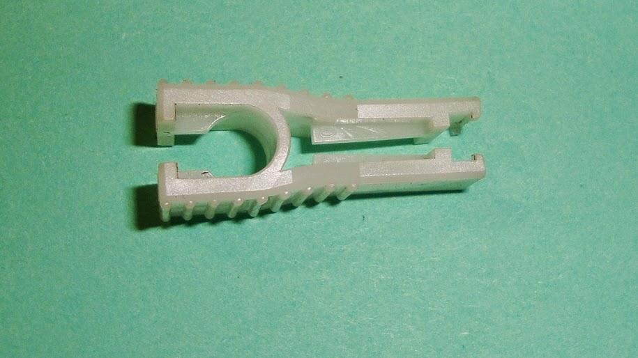 Πλαστική τσιμπίδα για ασφάλειες