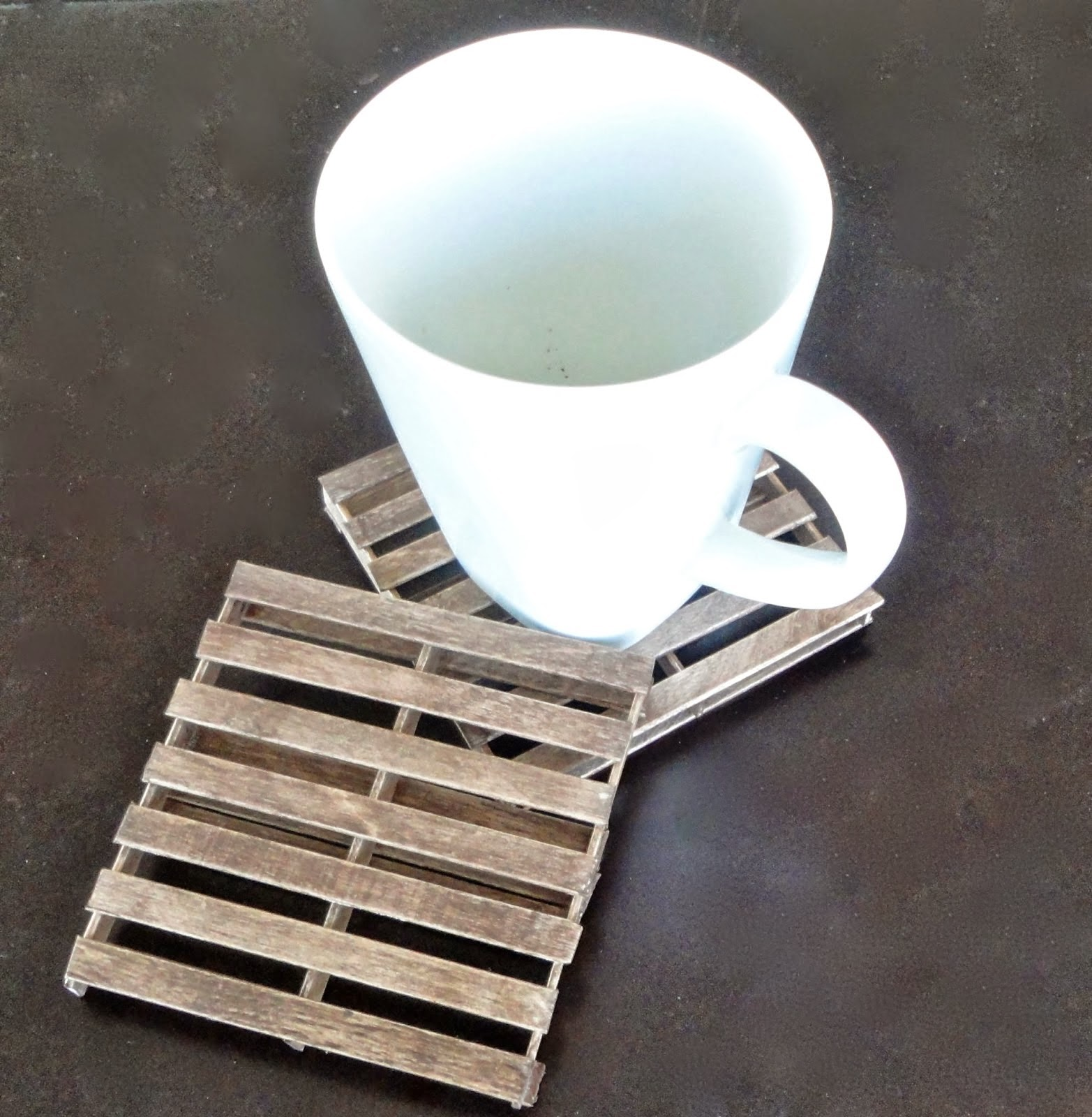 pallet-coasters-12
