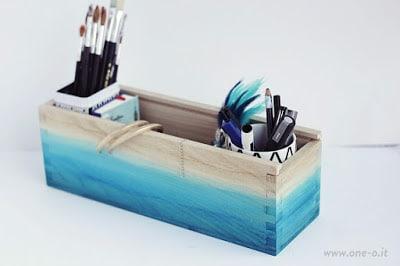 Διακόσμηση σε ξύλινο κουτί με την τεχνική όμπρε