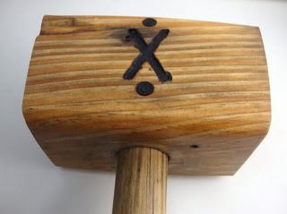 ξύλινο σφυρί από τάκο παλέτας