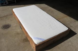 DIY αναδιπλούμενο κρεβάτι