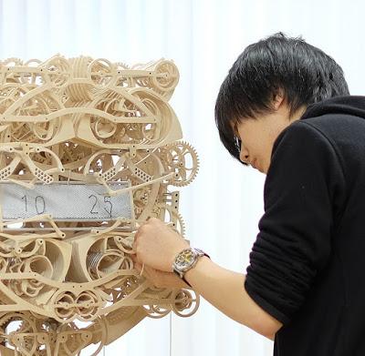 plock-wooden-automaton-clock-suzuki-kango-aBlogtoWatch-23
