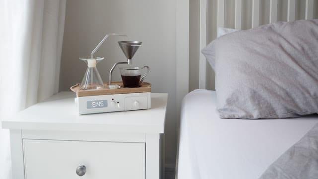 ξυπνητήρι ετοιμάζει τον καφέ