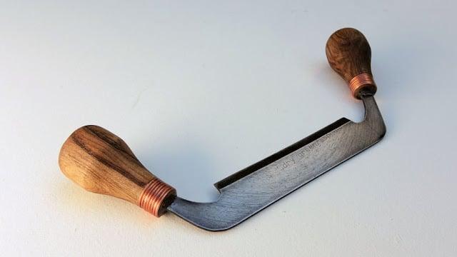 μαχαίρι τραβήγματος από παλιό διαμαντόδισκο