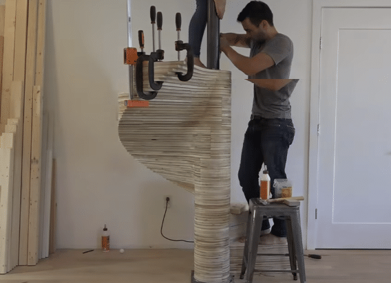 DIY κυκλική σκάλα
