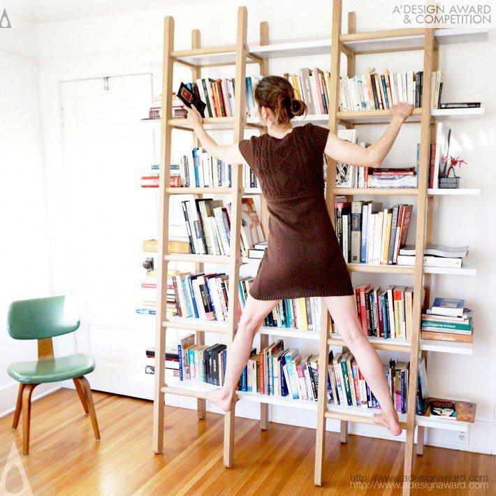 Πρακτική βιβλιοθήκη με σκάλες