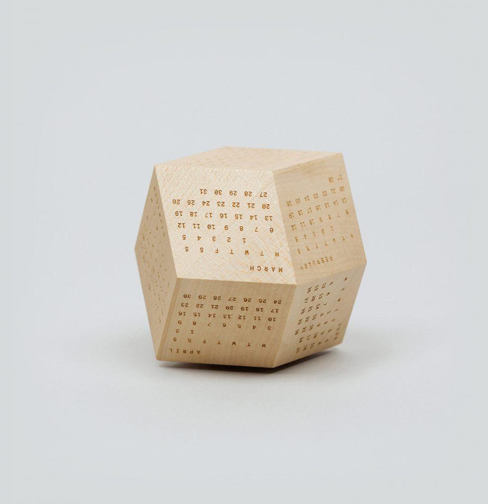 dodecal, ξύλινο ημερολόγιο σε δωδεκάεδρο