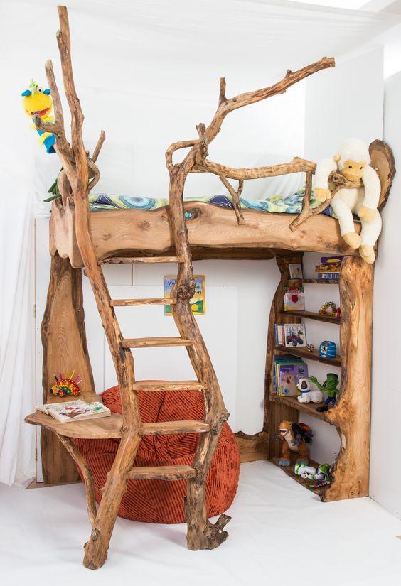 ρουστίκ ξύλινη κουκέτα