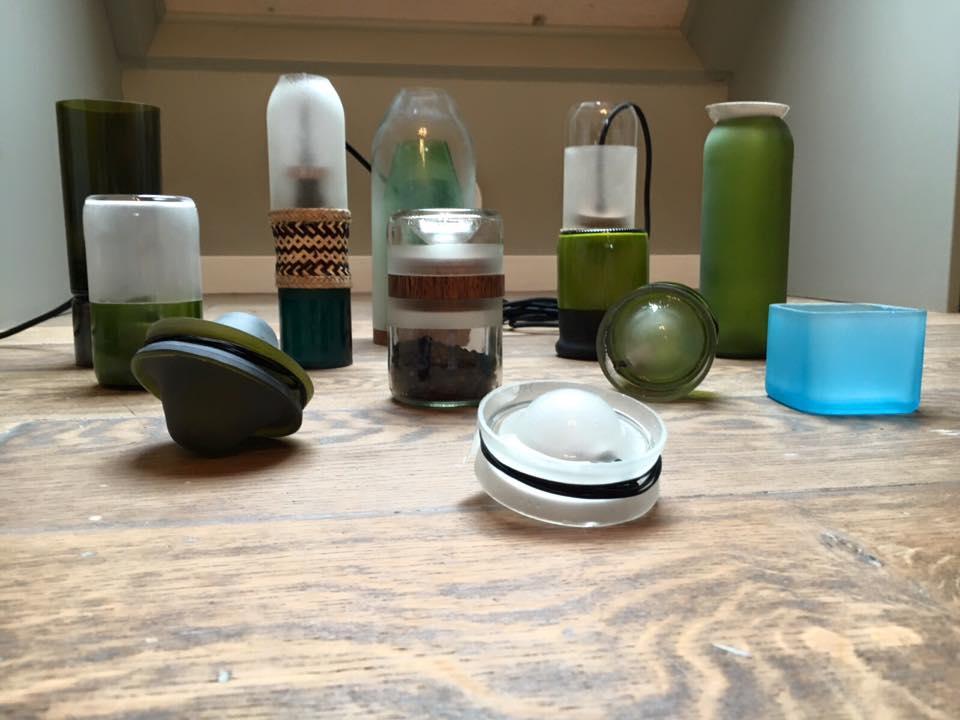 διακοσμητικά αντικείμενα από άχρηστα γυάλινα μπουκάλια