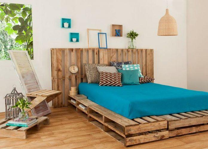 ρουστίκ κρεβάτι από παλέτες