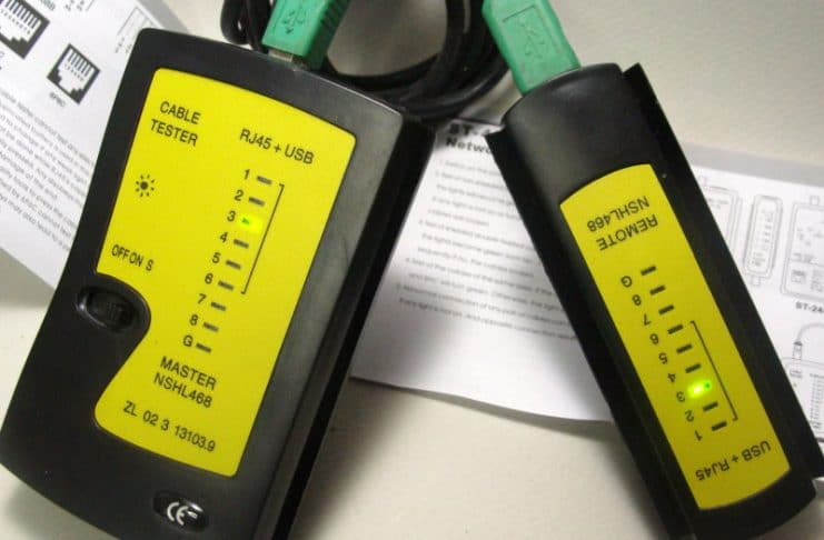 ελεγκτής καλωδίου δικτύου και USB