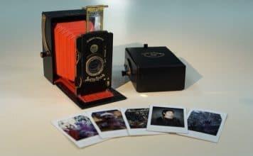 Στιγμιαία φωτογραφική μηχανή με ρετρό εμφάνιση