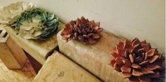Ρεαλιστικά λουλούδια από πηλό
