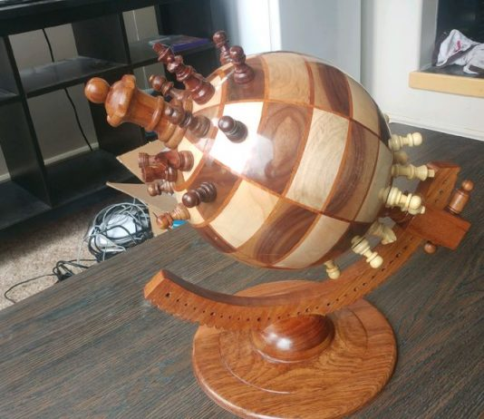 DIY σφαιρικό σκάκι