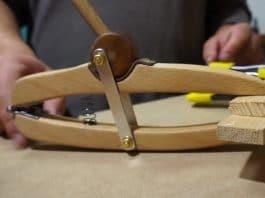αυτοσχέδιος ξύλινος ναυπηγικός σφιγκτήρας