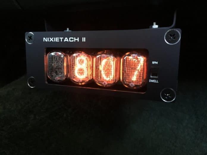 στροφόμετρο αυτοκινήτου με nixie λαμπτήρες