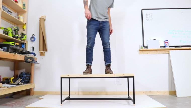μοντέρνο τραπέζι χωρίς ηλεκτρόκολληση