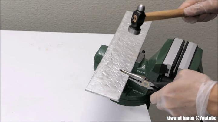 μαχαίρι από αλουμινόχαρτο