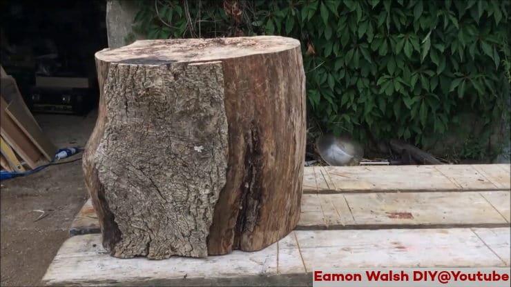 κορμός δέντρου γίνεται σκαμπό