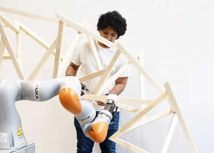 ρομποτικό χέρι ξυλουργός