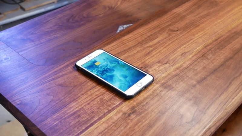 ασύρματη φόρτιση σε κινητό