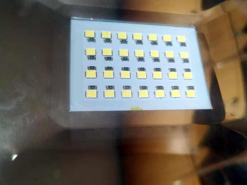 LED σε προβολέα